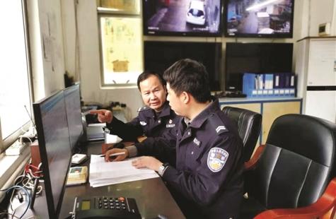 记者跟随澳头派出所副所长徐伟祥体验基层民警工作